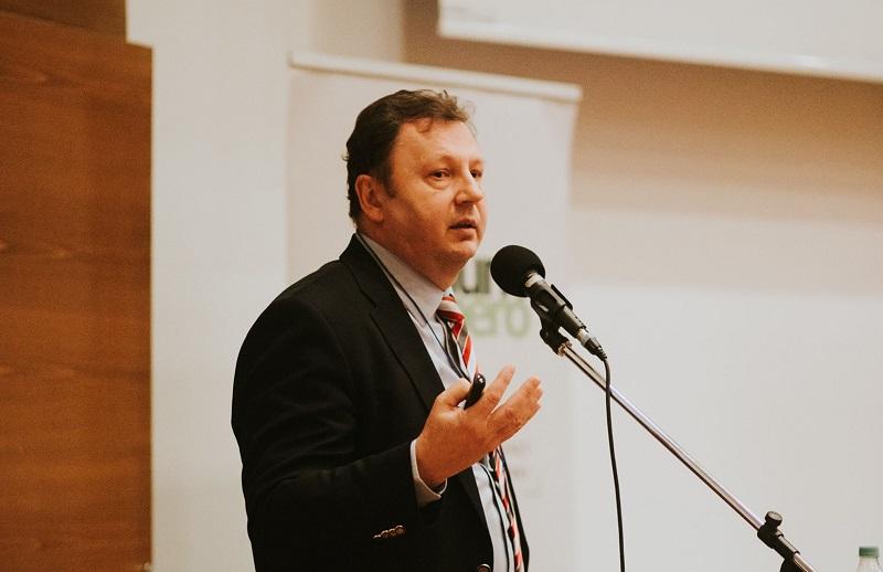 dr. Valálik István előadása a Digitális Orvoslás konferencián Marosvásárhelyen a Sapientia Egyetemen