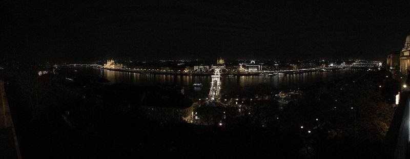 Esti panorámakép Budapestről a Sándor-palota erkélyéről