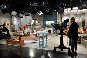 dr. VAlálik István médeiaszereplések a Duna TV Család-barát műsorának stúdiójában