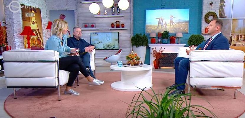 Duna TV 2020. október 7.-i Család-barát műsorában dr. Valálik Istvánt a disztónia okairól, típusairól és kezeléséről kérdezték